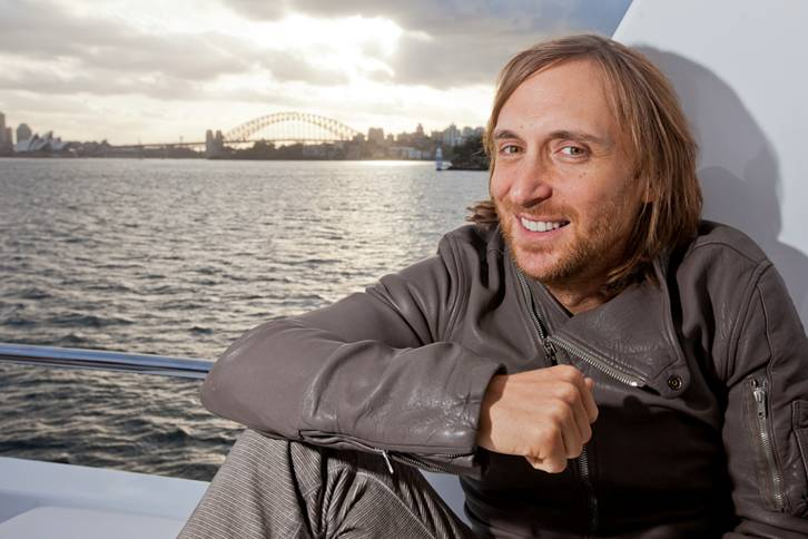 David Guetta Makes Video To Mark 50 Million Facebook Followers Noise11 Com
