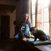 Carole King&#039;s &quot;Tapestry&quot; album, photographed by Jim McCrary image