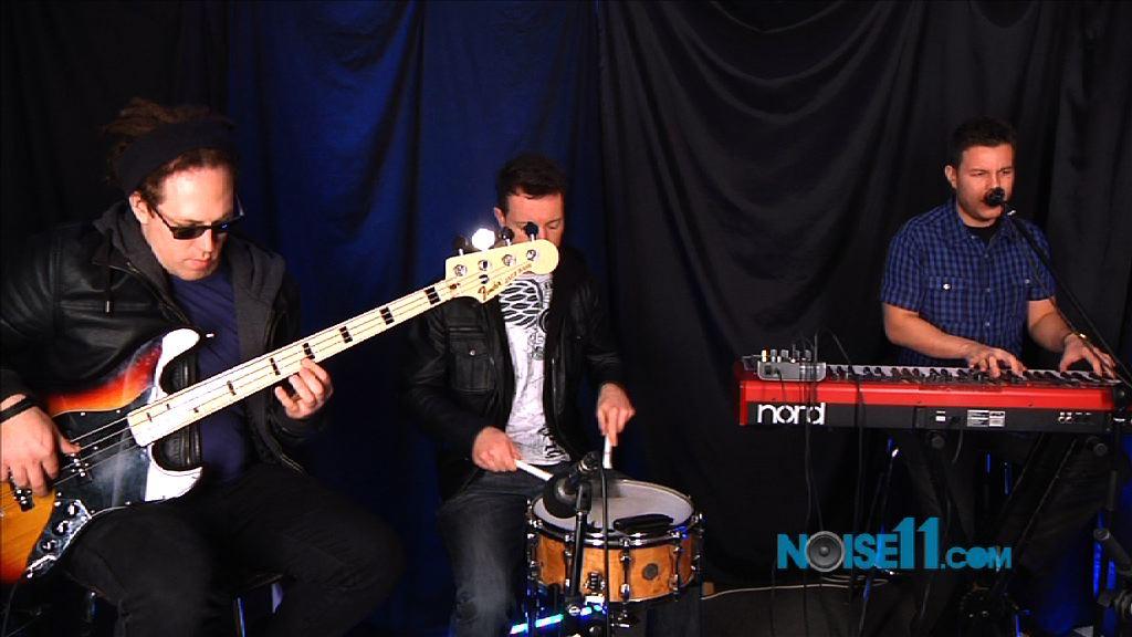 Bill Parton Trio at Noise11.com, Photo