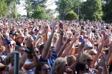 Crowd at the Red Hot Summer tour in Mornington at the Mornington Racecourse.