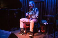 Harry Shearer joins Judith Owen at the Paris Cat in Melbourne on Tuesday 7 June 2016. Photo by Ros O'Gorman http://www.noise11.com