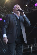 John Farnham Red Hot Summer Mornington. Photo by Ros O'Gorman