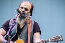 Steve Earle AWITG on Friday 17 November 2017. Photo by Ros O'Gorman