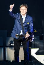Paul McCartney at AAMI Park Melbourne on Tuesday 5 December 2017. Photo by Ros O'Gorman