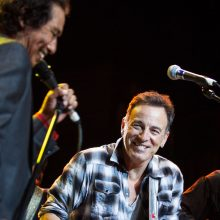 Alejandro Escavedo and Bruce Springsteen photo by Ros O'Gorman