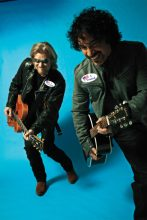 Hall & Oates photo by Mick Rock