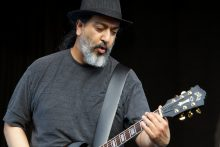 Kim Thayil of Soundgarden photo by Ros OGorman