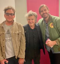 Neil Finn manager Carl Stubner, Neil Finn and BMG MD Heath Johns