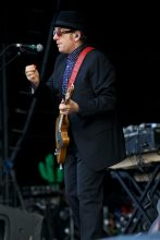 Elvis Costello photo by Ros O'Gorman
