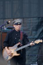 Nils Lofgren photo by Ros O'Gorman