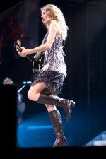 Taylor Swift photo by Ros O'Gorman