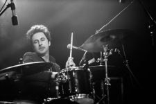 Mike Noga of The Drones photo by Ros O'Gorman