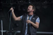 Eddie Vedder of Pearl Jam photo by Ros O'Gorman