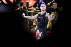 Robbie Williams Heavy Entertainment