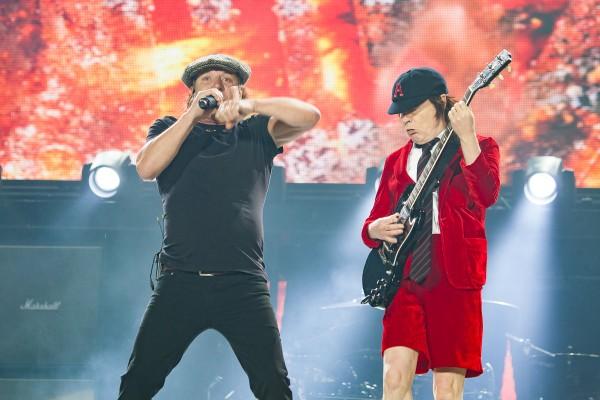 www.noise11.com/wp/wp-content/uploads/2015/12/ACDC-Melbourne-Concert-151206-05-600x400.jpg