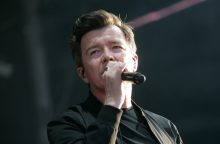 Rick Astley at A Day On The Green 2020 photo by Serge Thomann