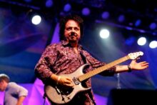 Steve Lukather photo by Ros O'Gorman